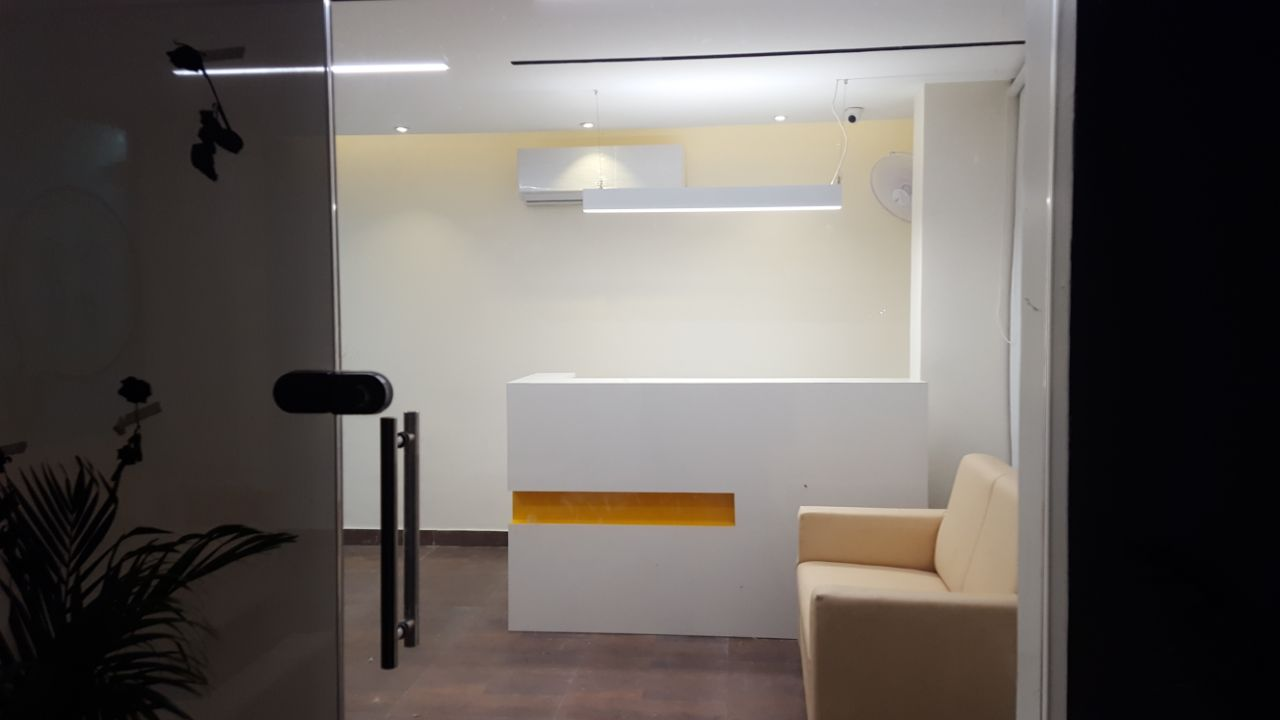 Modern office space by Ameer Tumbi Contemporary   Interior Design Photos & Ideas