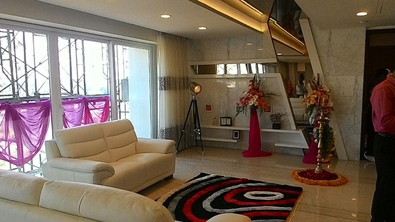 Contemporary Living area by Dilip Kumar GM Living-room Contemporary | Interior Design Photos & Ideas