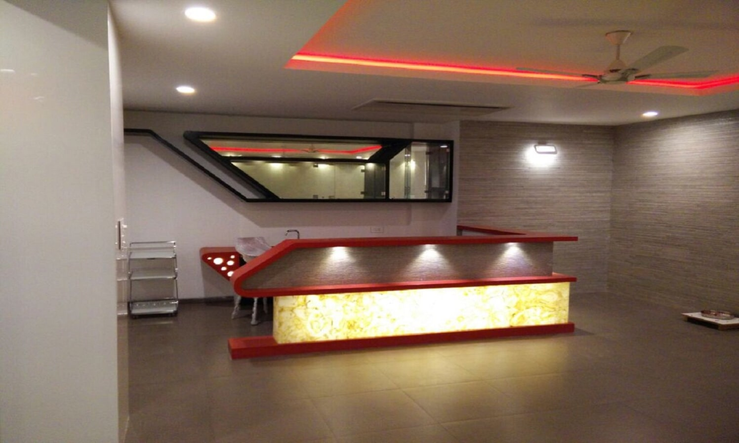 Reception area by Creative Architects and Interiors Contemporary | Interior Design Photos & Ideas