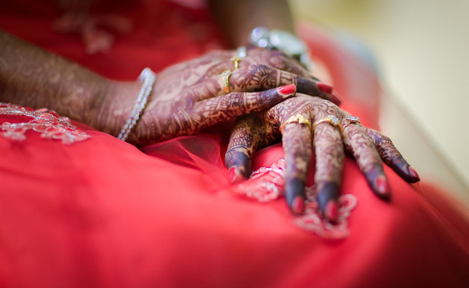 Bridal Hand Shot by Karthik Wedding-photography | Weddings Photos & Ideas