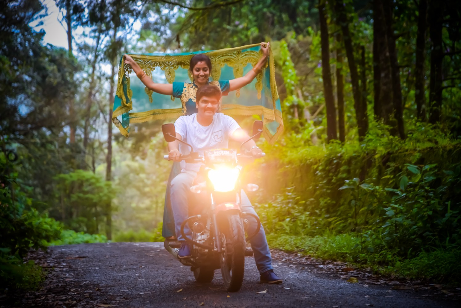 Pre-Wedding Shoot Ideas by Karthik Wedding-photography | Weddings Photos & Ideas