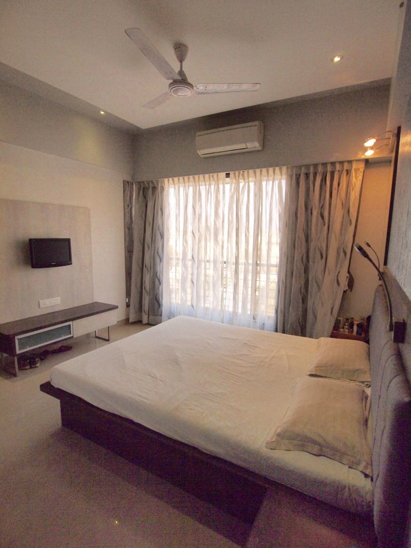BedroomWith Low Rise Wooden Bed by Janaki Kumar Raut Bedroom Contemporary   Interior Design Photos & Ideas