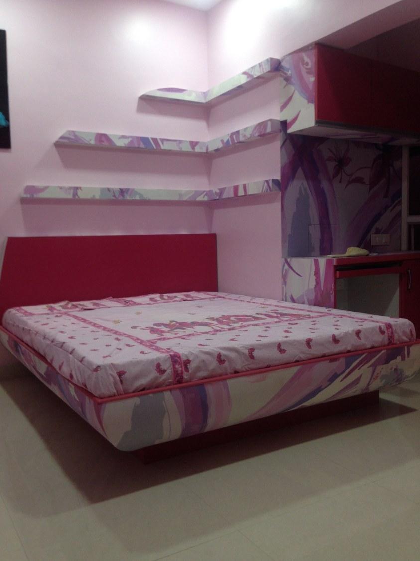 A contemporary bedroom! by Nikhil Bedroom Contemporary | Interior Design Photos & Ideas