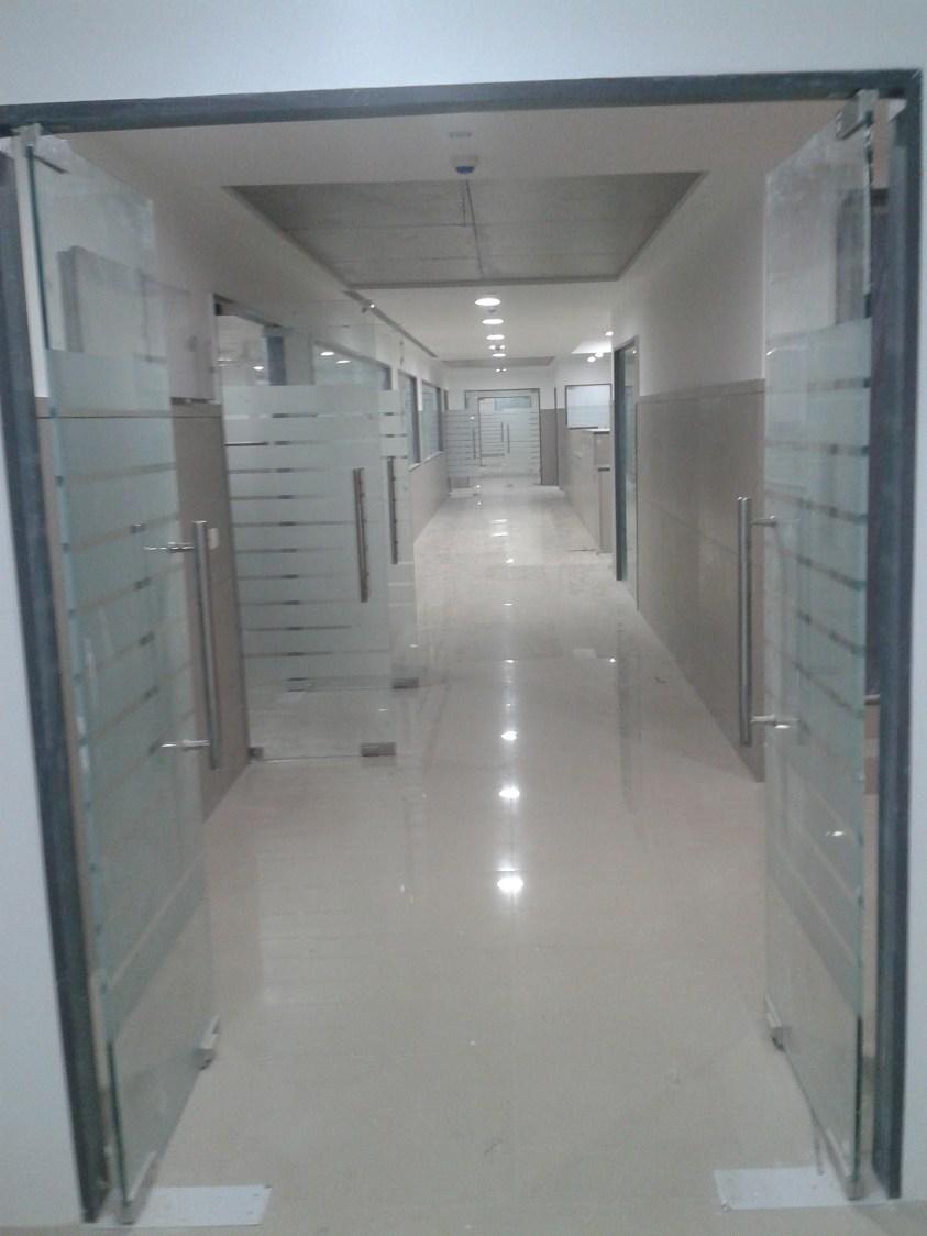 Cellular office space by rohini yadav Modern   Interior Design Photos & Ideas