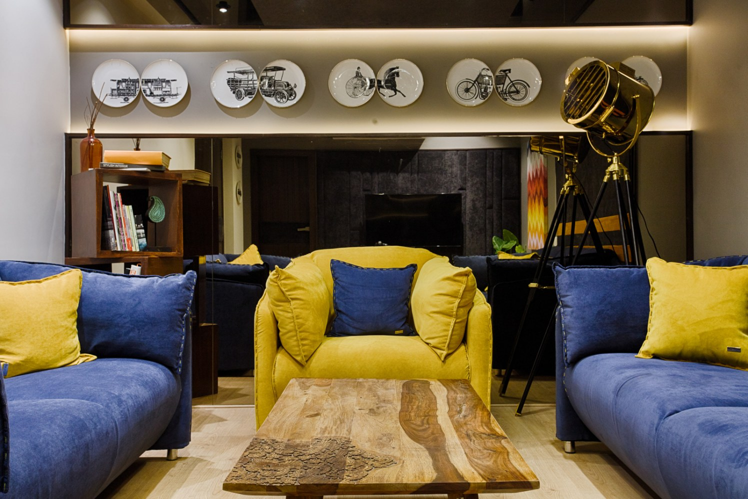 Plate Decor With Vintage Look and golden Side Lamp by Dhaval Patel Living-room Eclectic   Interior Design Photos & Ideas