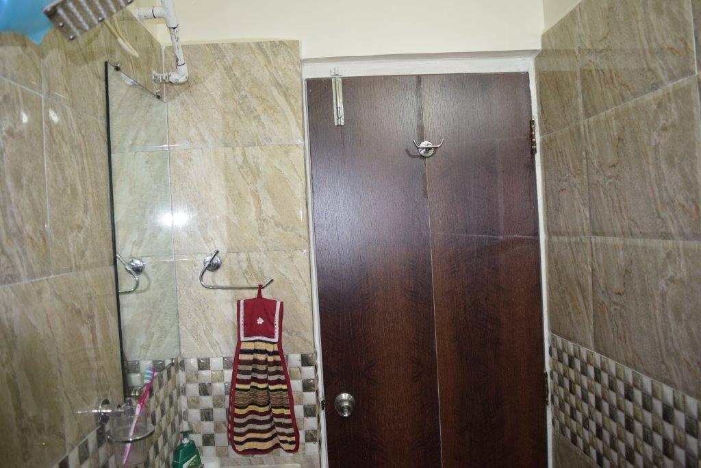 Bathroom by color's interio Bathroom Contemporary | Interior Design Photos & Ideas