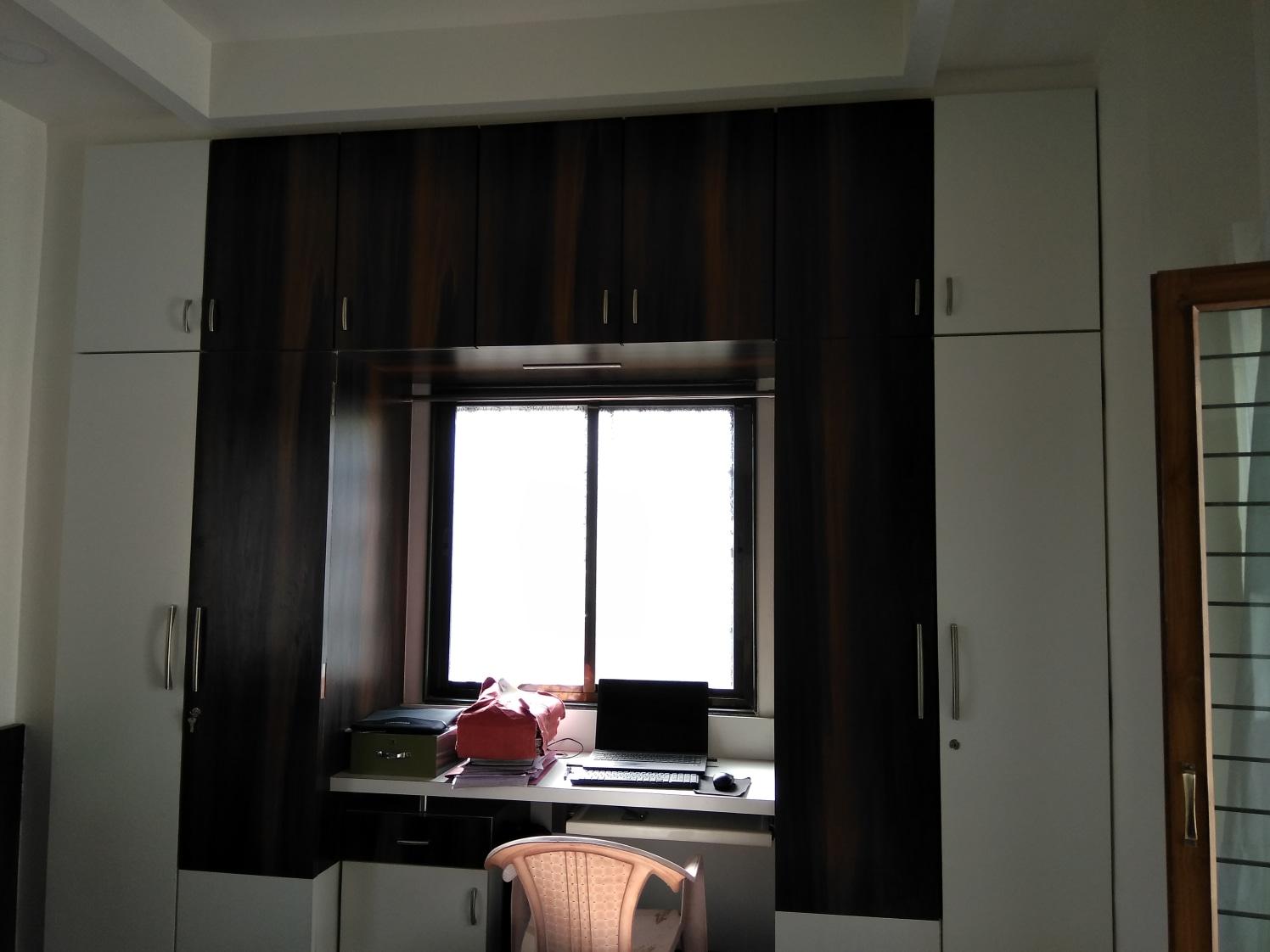 Study room by shivanibhokare Bedroom Modern   Interior Design Photos & Ideas