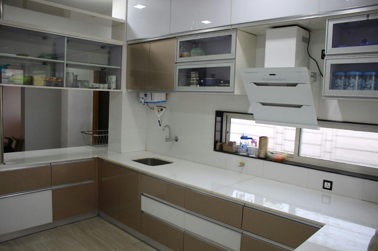 Modular kitchen by shivanibhokare Modular-kitchen Contemporary | Interior Design Photos & Ideas