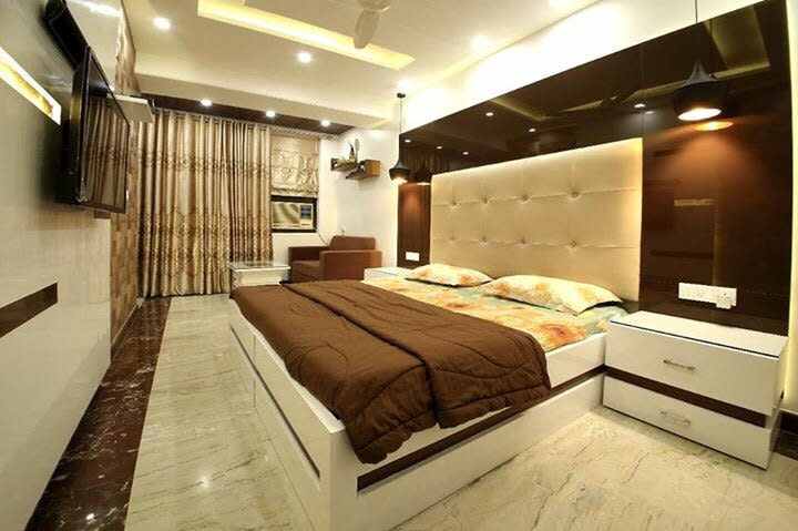 Marble Flooring With Wooden Bed And Designer Wall by Vaibhav gaba Bedroom Contemporary | Interior Design Photos & Ideas