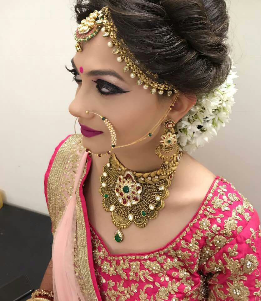 Sumptuous Mughal Jewellery With Heavy Stone Work And Elaborated Enamelling by Patel Pritiben Bridal-makeup Bridal-jewellery-and-accessories | Weddings Photos & Ideas