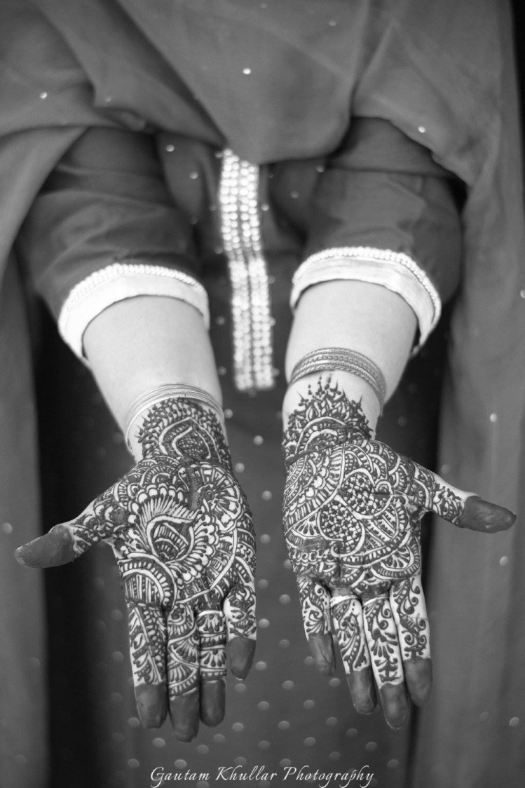 Black And White Shot Of Intricate Indian Mehendi by Gautam Khullar Wedding-photography Bridal-mehendi | Weddings Photos & Ideas