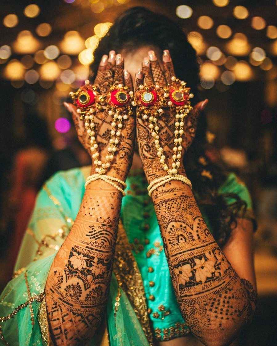 Pretty Bridal Accessories To Accentuate The Intricate Bridal Mehendi by Gautam Khullar Wedding-photography Bridal-mehendi Bridal-jewellery-and-accessories | Weddings Photos & Ideas