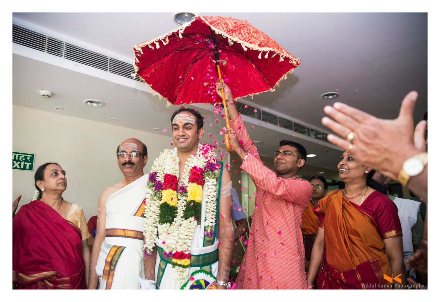 Flower Shower by Nikhil Kumar Wedding-photography | Weddings Photos & Ideas