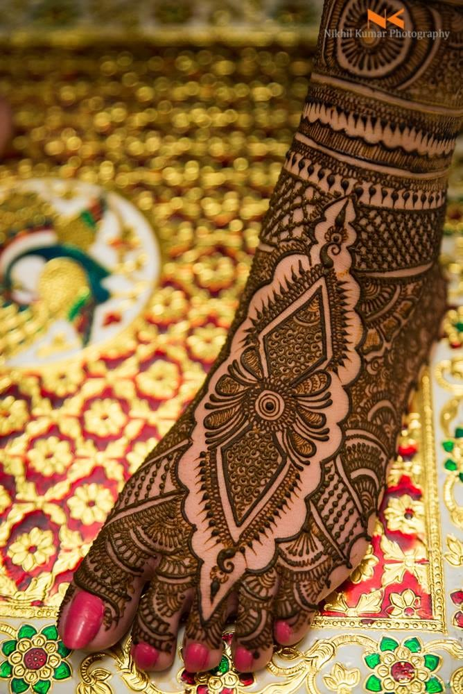 Intricate Mehendi Art by Nikhil Kumar Bridal-mehendi | Weddings Photos & Ideas
