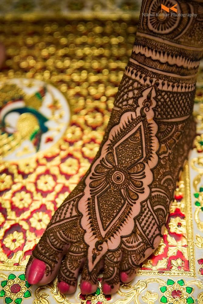 Intricate Mehendi Art by Nikhil Kumar Bridal-mehendi | Weddings Photos & Ideas