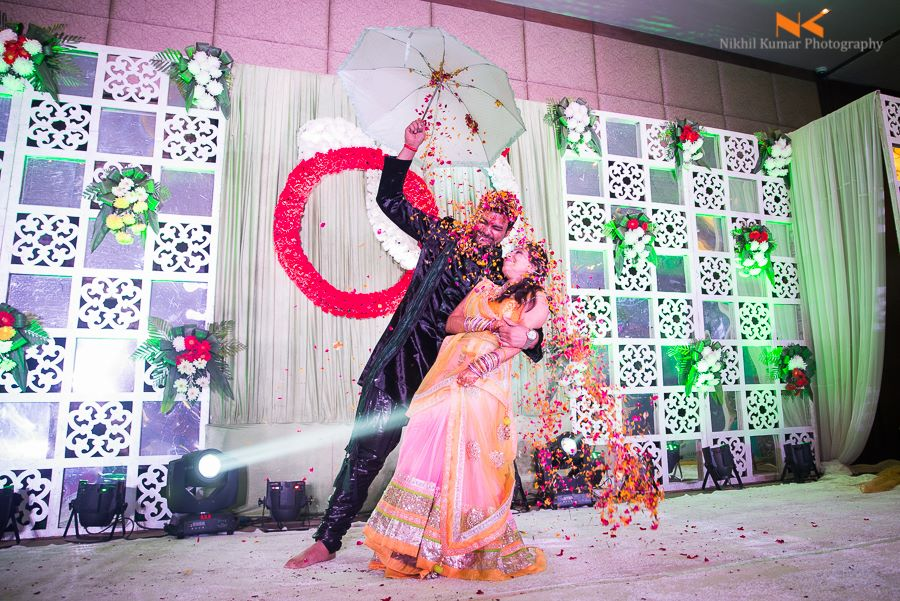 Floral stage Wall With White Flower Design by Nikhil Kumar Wedding-photography | Weddings Photos & Ideas