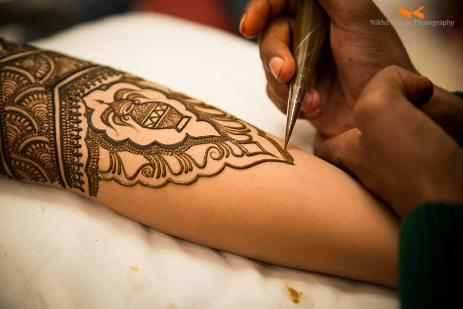 Traditional Mehendi Kalash Art by Nikhil Kumar Bridal-mehendi | Weddings Photos & Ideas