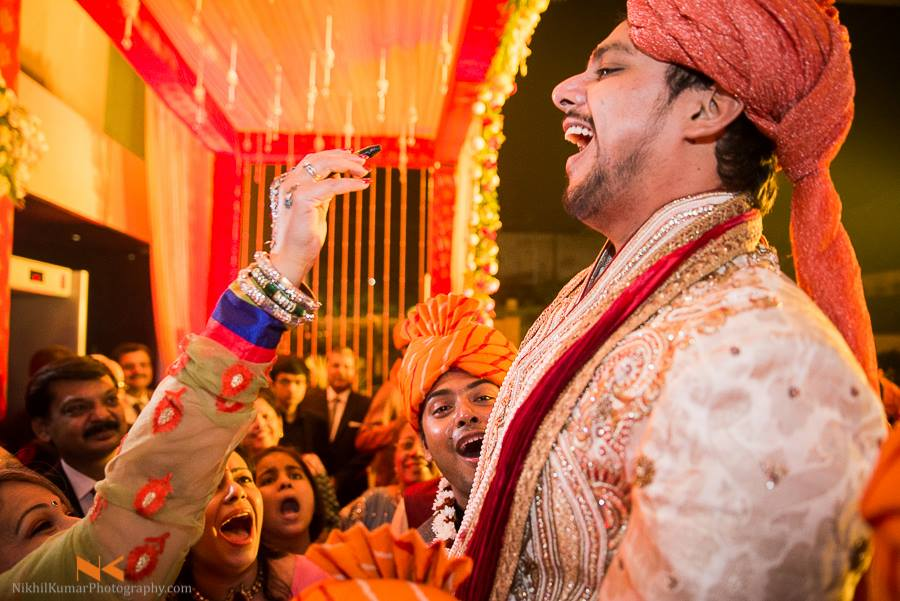 Dulhe Ki Baraat by Nikhil Kumar Wedding-photography Groom-wear-and-accessories | Weddings Photos & Ideas