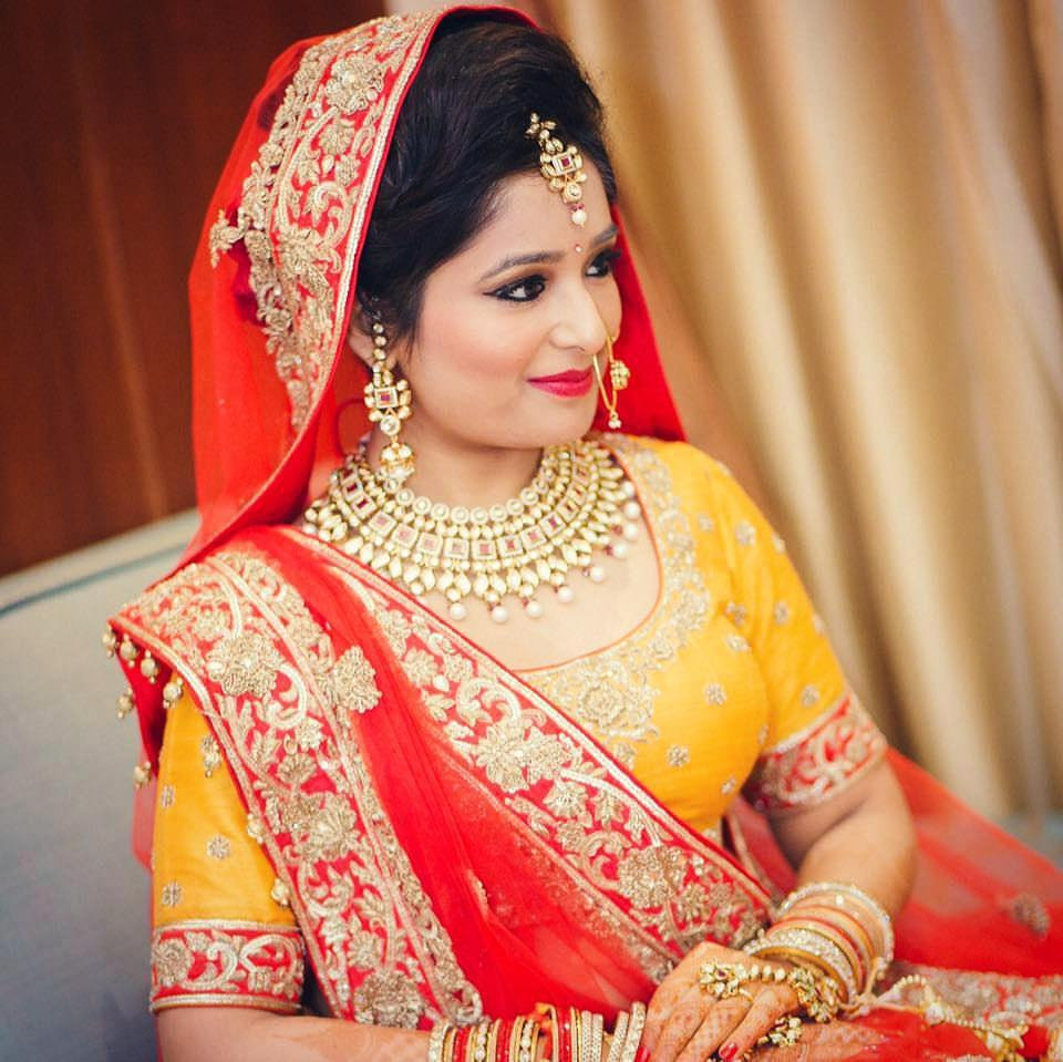 Rajasthani Bride Wearing Heavy Golden Necklace by Anchal Kumar Bridal-jewellery-and-accessories | Weddings Photos & Ideas