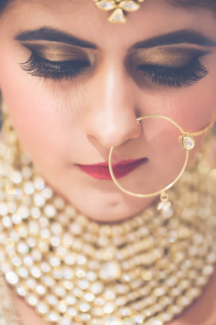 Bold Bronze Eye Makeup by Anchal Kumar Bridal-makeup Bridal-jewellery-and-accessories | Weddings Photos & Ideas