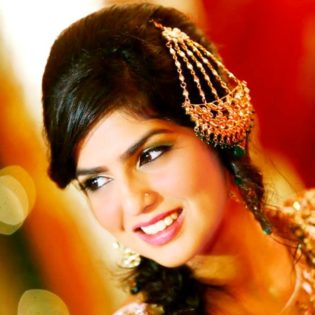 Bride Wearing Kundan Jhumar by Anchal Kumar Bridal-jewellery-and-accessories | Weddings Photos & Ideas