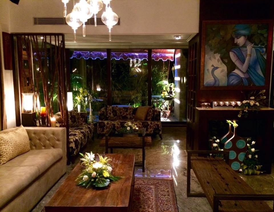 Modern Living Room by Vijay Kapur Living-room Contemporary | Interior Design Photos & Ideas