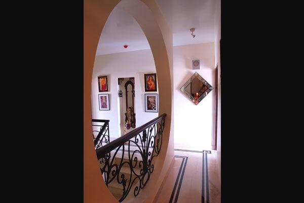 Modern Contemporary Hallway by Vijay Kapur Designs Indoor-spaces Contemporary   Interior Design Photos & Ideas