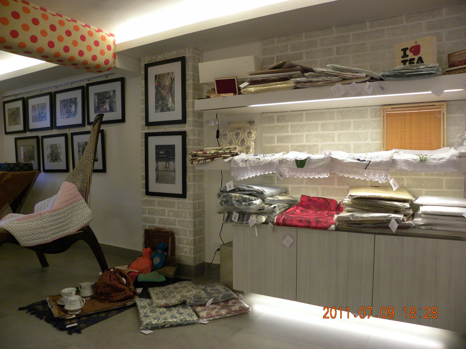 Contemporary Retail Store by Vijay Kapur Designs Contemporary | Interior Design Photos & Ideas