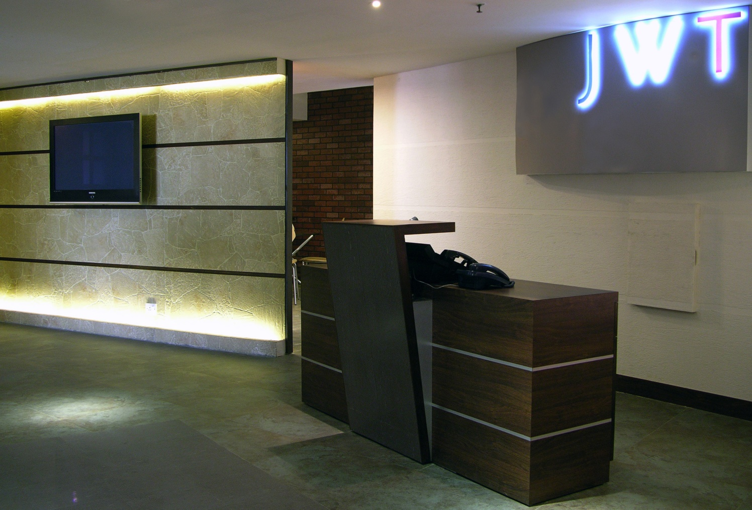 Office Reception by Vijay Kapur Designs Modern | Interior Design Photos & Ideas