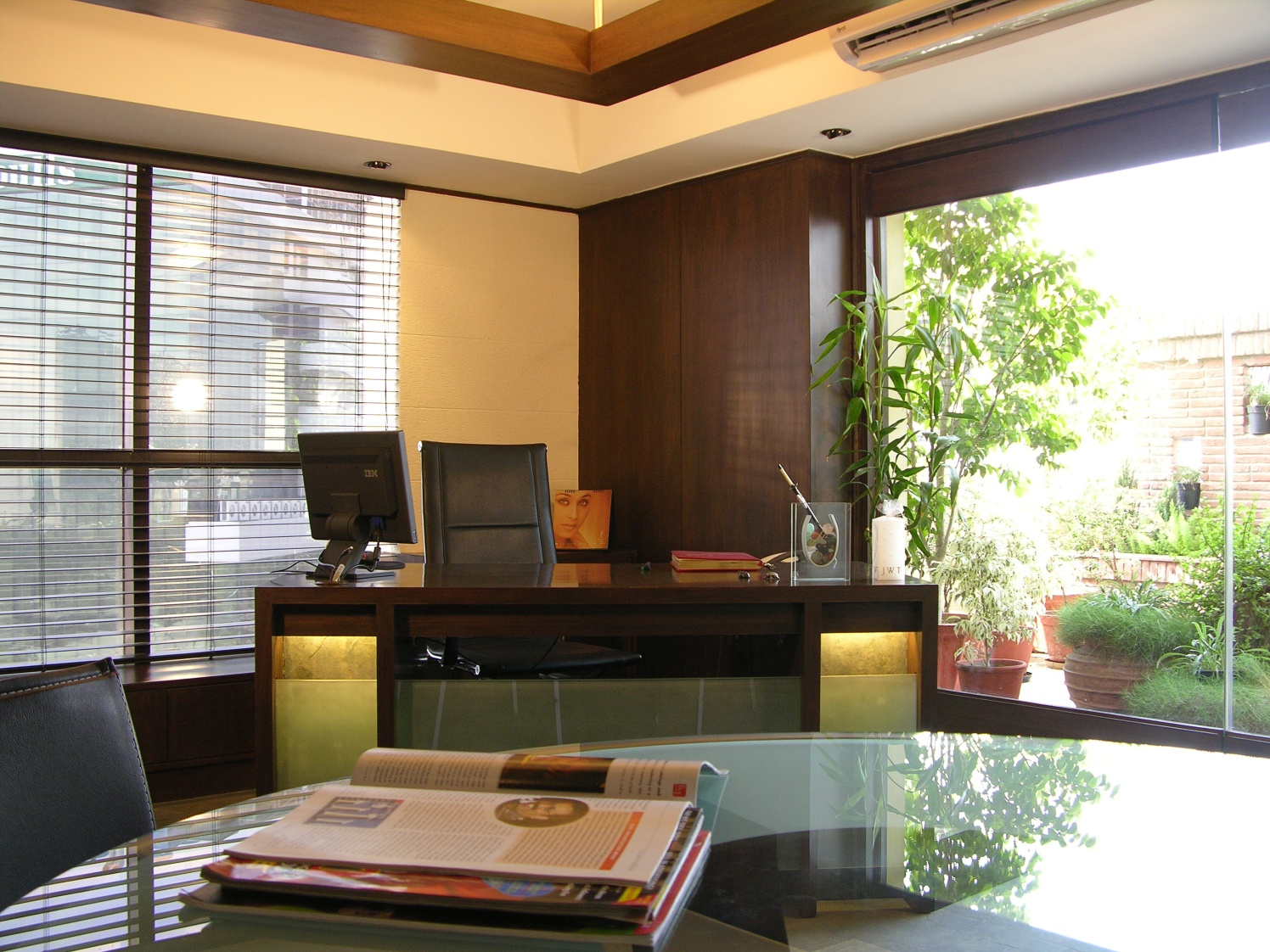 Modern Office Area by Vijay Kapur Designs Modern | Interior Design Photos & Ideas