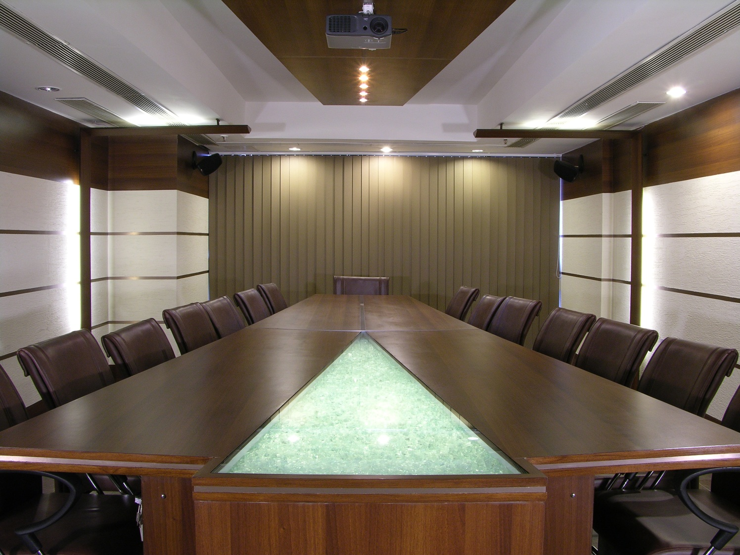 Formal Meeting Room by Vijay Kapur Designs Modern | Interior Design Photos & Ideas