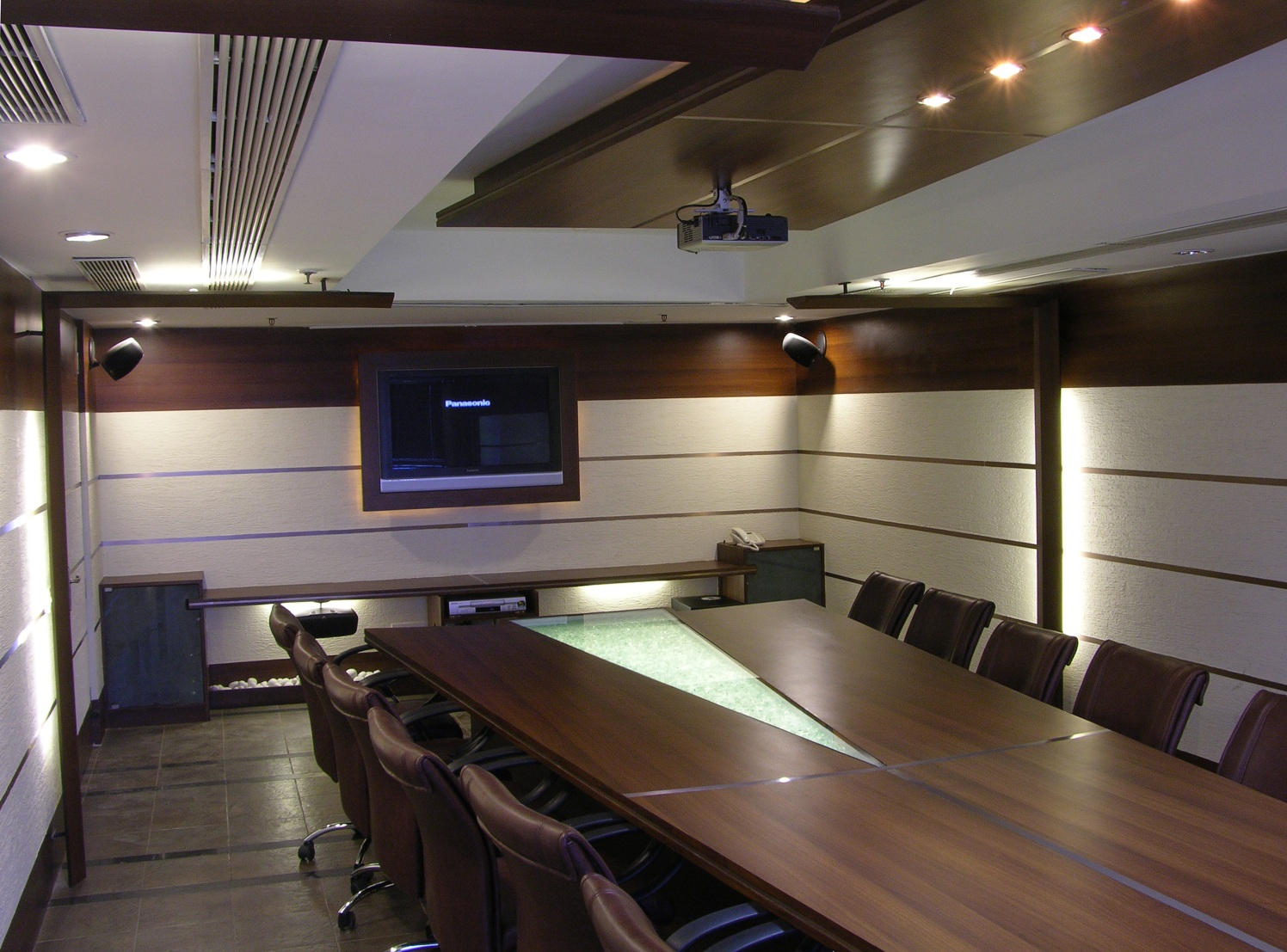 Formal Contemporary Meeting Room by Vijay Kapur Designs Modern | Interior Design Photos & Ideas