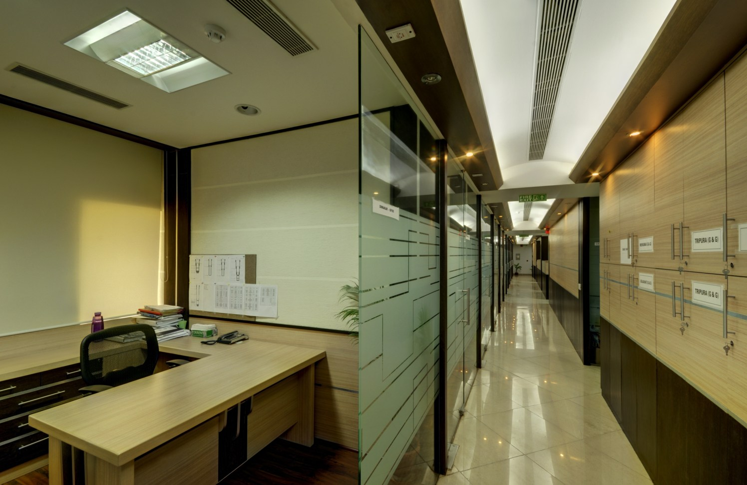 Formal Office Cabin by Vijay Kapur Designs Modern | Interior Design Photos & Ideas