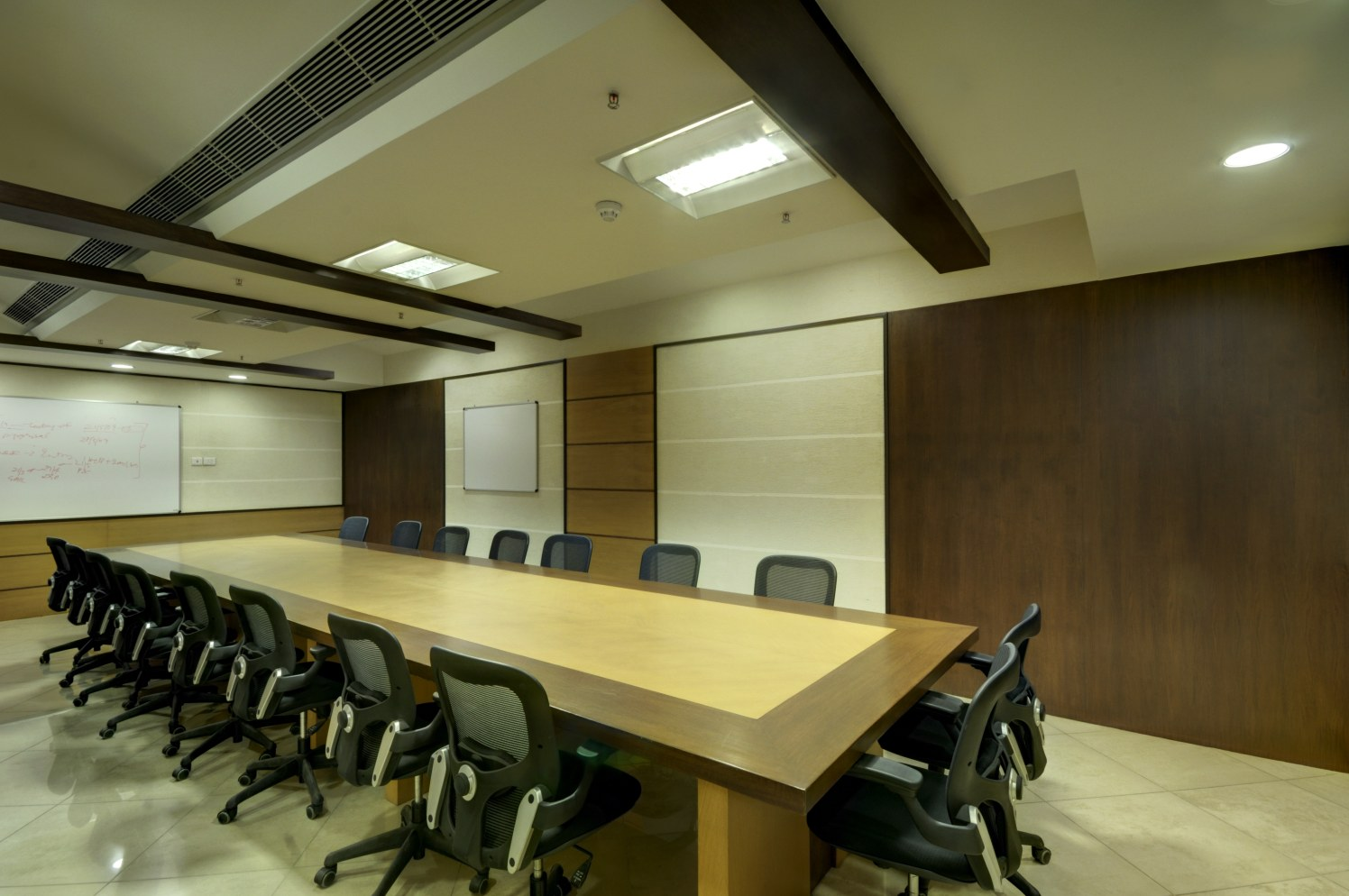 Formal Conference Room by Vijay Kapur Designs Modern | Interior Design Photos & Ideas