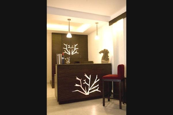 Modern Style Bar by Vijay Kapur Indoor-spaces Modern   Interior Design Photos & Ideas