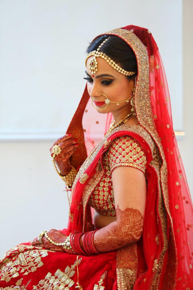 Expert application by Shruti Sharma Bridal-makeup | Weddings Photos & Ideas