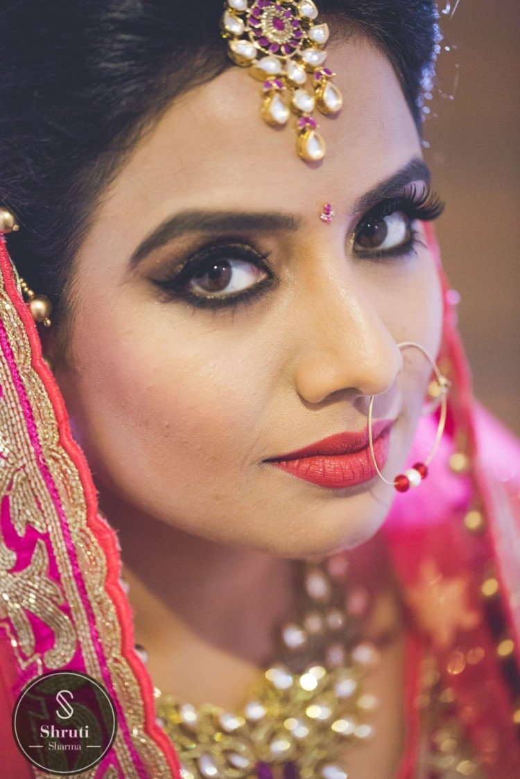 Bronze eyes by Shruti Sharma Bridal-makeup | Weddings Photos & Ideas
