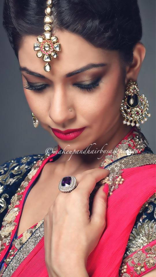 Kundan embedded jewellery of bride by Sakshi Sagar Bridal-makeup | Weddings Photos & Ideas