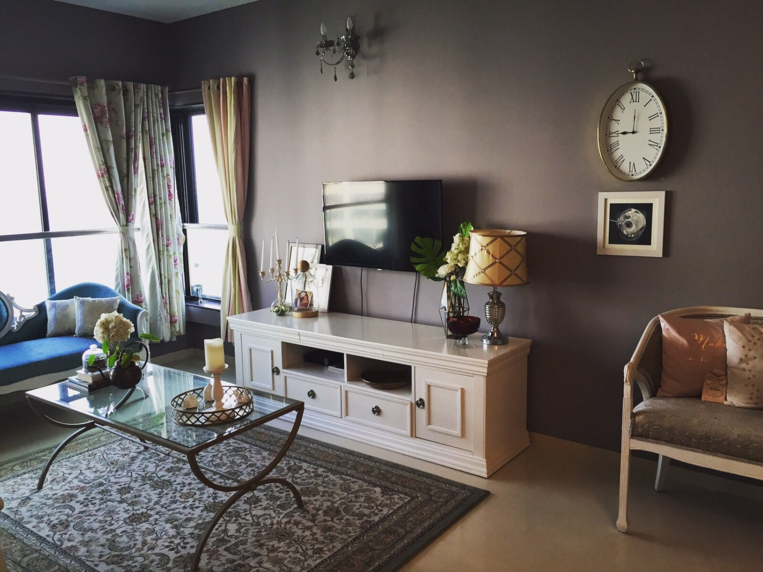 Bole Brown Shaded Vintage Living Room by Khyaati Verma Living-room Vintage | Interior Design Photos & Ideas