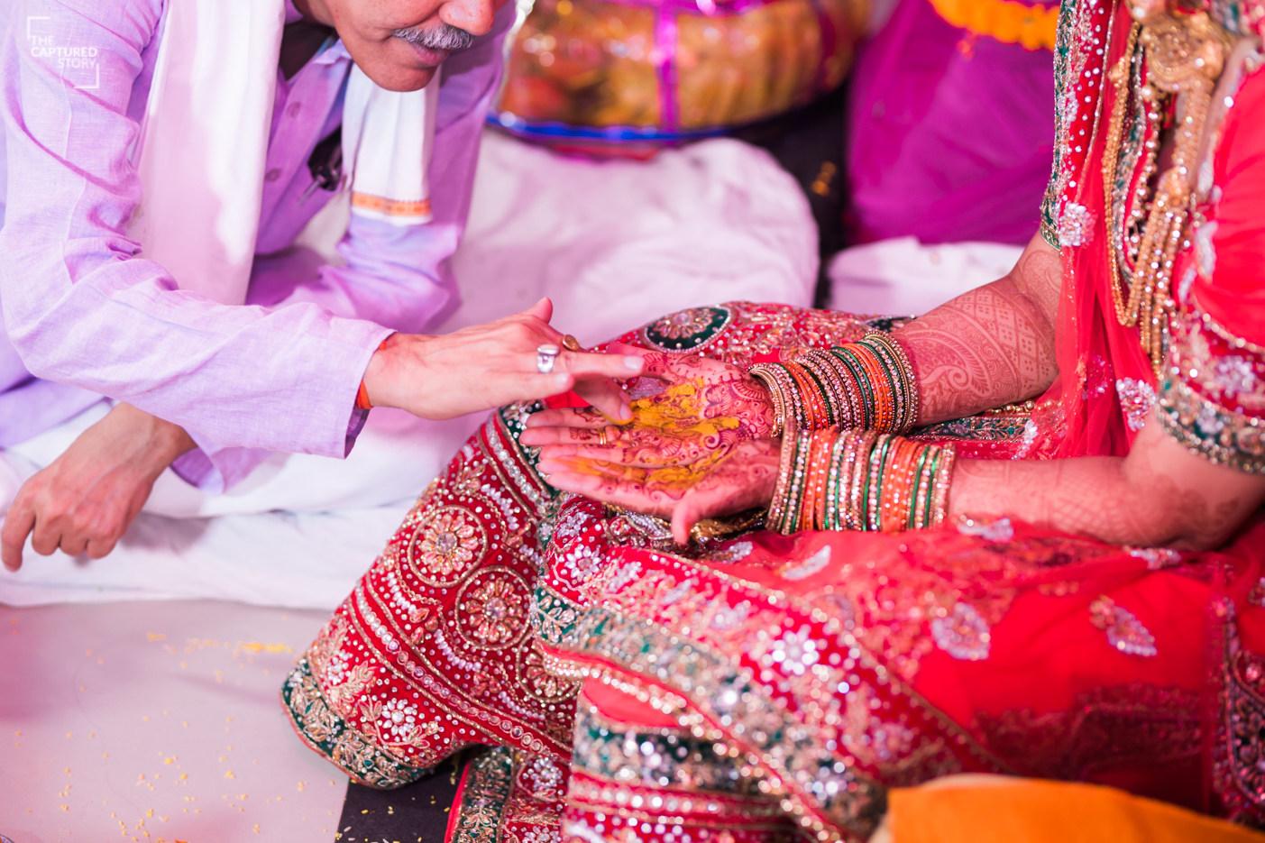 Ceremonial duties by Captured Memories Wedding-photography | Weddings Photos & Ideas