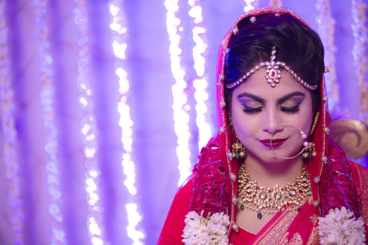 Ravishing Bride Wearing One Lace Tier Kundan Mang tikka by Arpit Gulati Wedding-photography Bridal-makeup Bridal-jewellery-and-accessories   Weddings Photos & Ideas