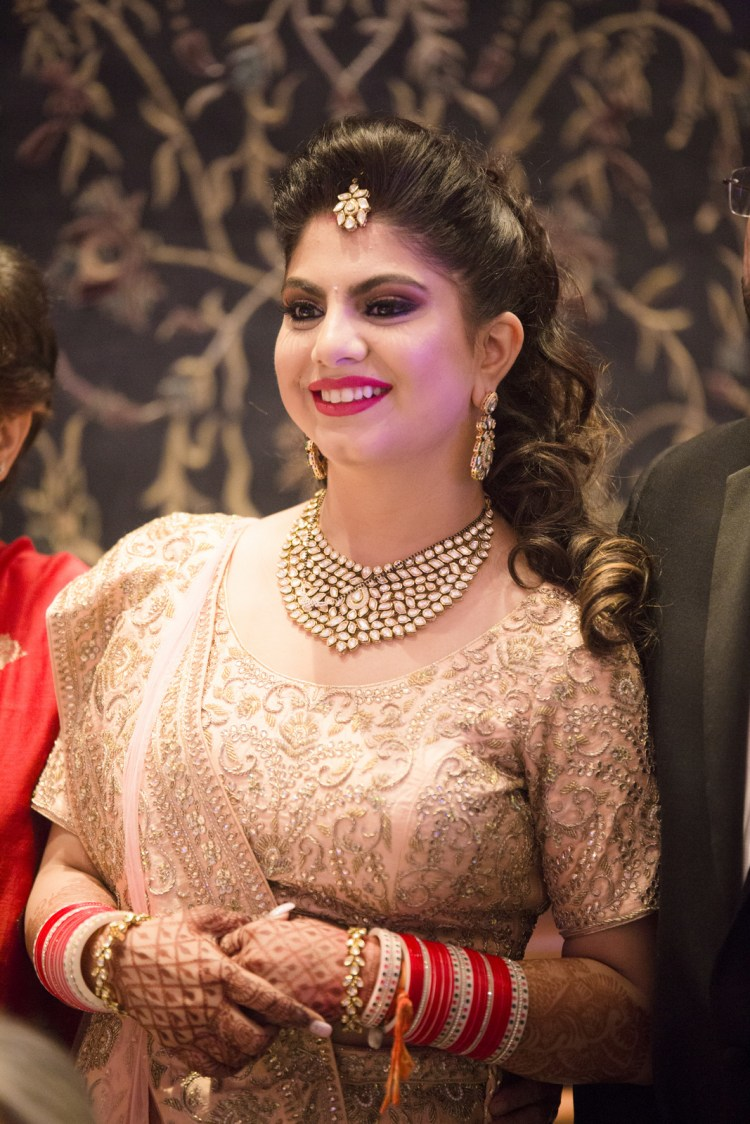 Gorgeous Bride Wearing Kundan Necklace And Mang tikka by Arpit Gulati Wedding-photography Bridal-jewellery-and-accessories | Weddings Photos & Ideas