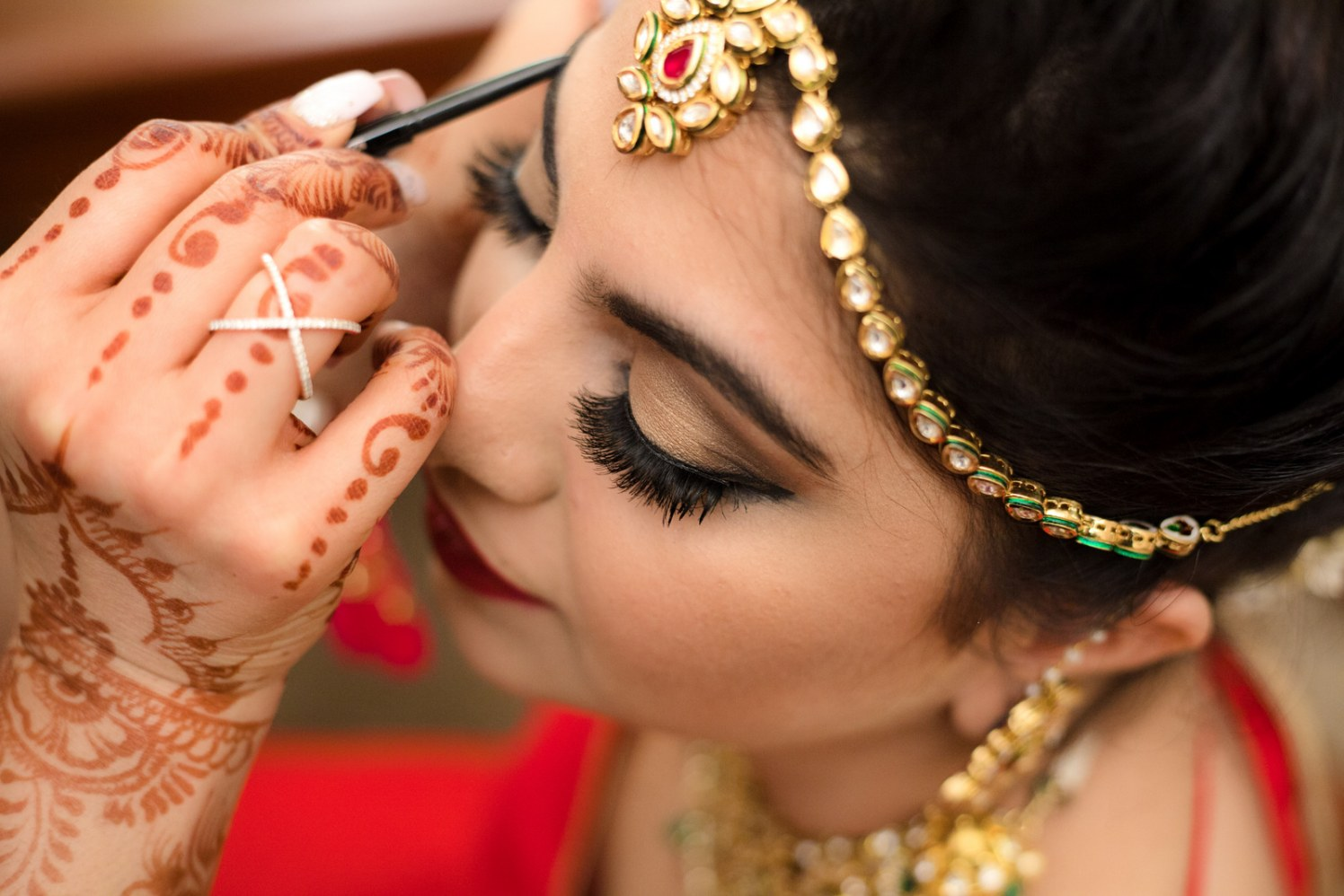 Stunning Bride Getting Ready For Her Big Day by Arpit Gulati Bridal-makeup Bridal-jewellery-and-accessories | Weddings Photos & Ideas