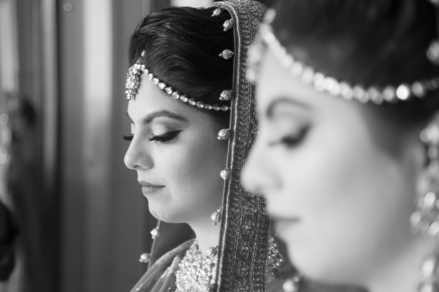 Beautiful Bride Wearing Kundan Mang tikka by Arpit Gulati Wedding-photography | Weddings Photos & Ideas