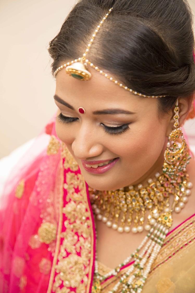 Borla Mang Tikka And Meenakari Earings by Arpit Gulati Wedding-photography Bridal-makeup | Weddings Photos & Ideas