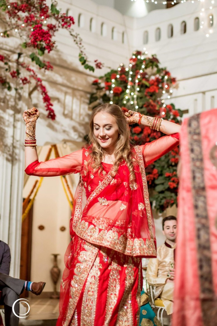 Golden beauty in traditional red by Amish Photography Wedding-photography | Weddings Photos & Ideas