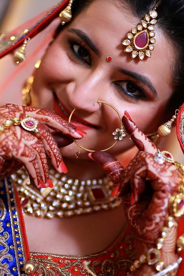 Flaunting accessories! by Jhalak Parswani Bridal-makeup | Weddings Photos & Ideas