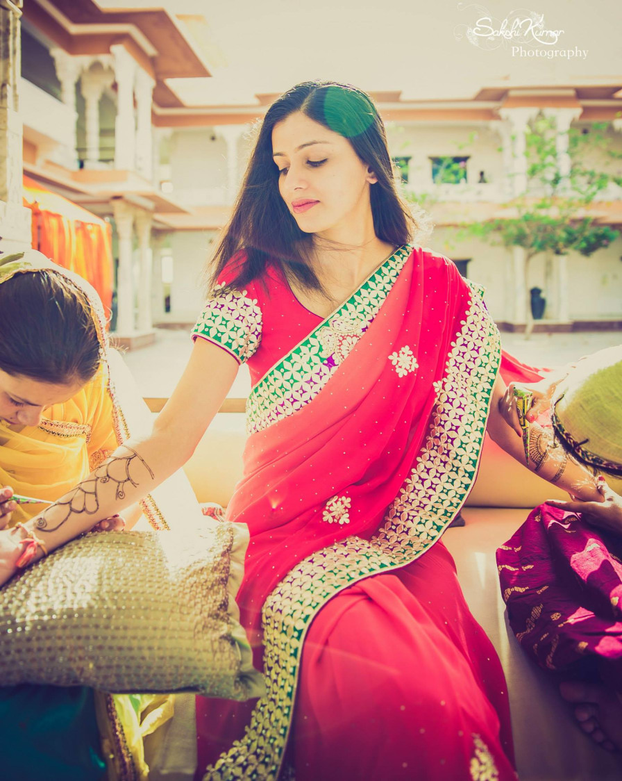 Bridal Pink Saree With Green Border by Sakshi Kumar Wedding-photography Bridal-jewellery-and-accessories Wedding-dresses   Weddings Photos & Ideas
