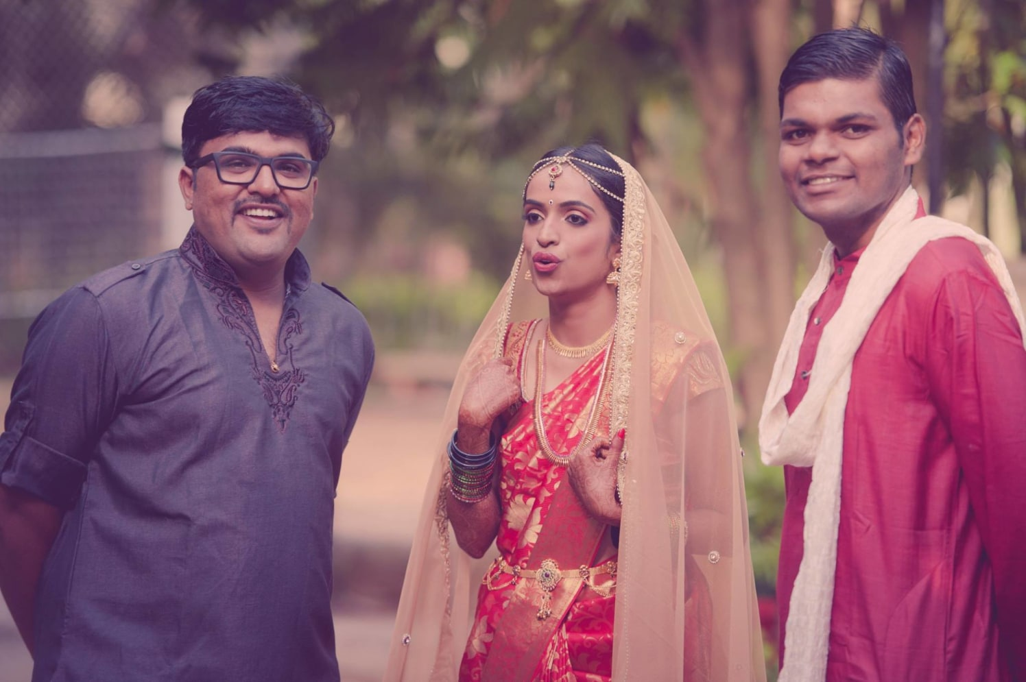 Bride With Wedding Guests by Dushyantha Kumar C Wedding-photography | Weddings Photos & Ideas