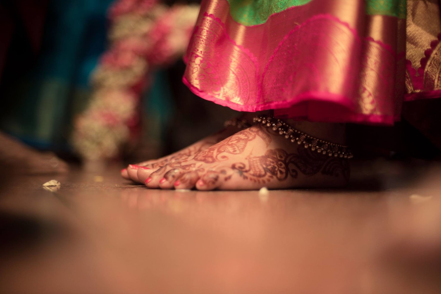 Simple mehendi design by Click n' Cherish Wedding-photography | Weddings Photos & Ideas